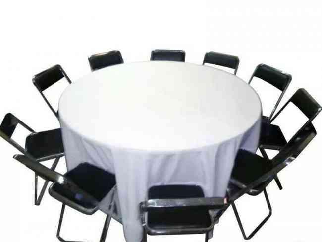 Sillas acojinadas tablonesy mesas redondas en renta en for Mesas redondas plegables para eventos
